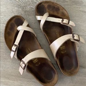Cream metallic Birkenstocks